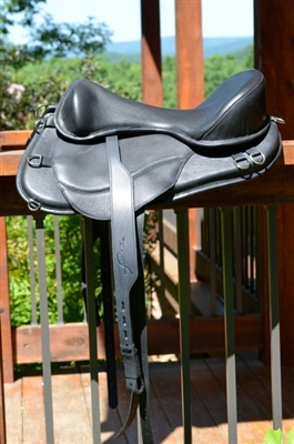 Freeform Ultimate Trail Treeless Saddle - Best Seller.